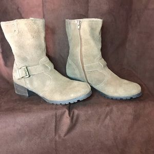 Shoes - Brown leather with buckle & heel boots W10